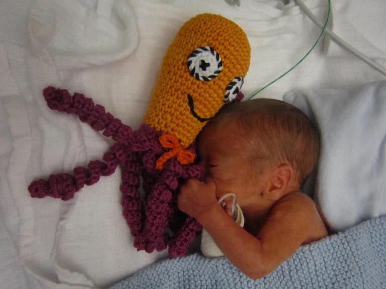Knitting Octopus For Preemies : Octopus for a preemie ośmiorniczka dla wcześniaka my